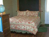 Bed_schoolhouse_001